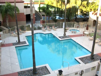 Outdoor Pool | Varsity Clubs Of America - Tucson by Diamond Resorts
