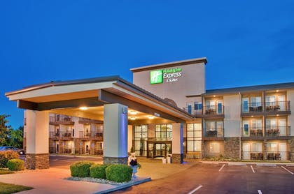 Featured Image | Holiday Inn Express Hotel & Suites Branson 76 Central