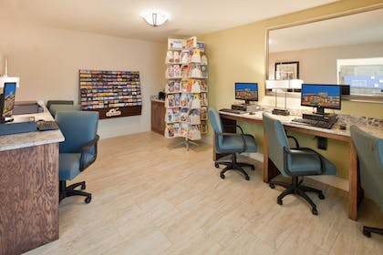 Business Center | Holiday Inn Express Hotel & Suites Branson 76 Central