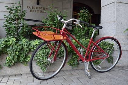 Bicycling   O.Henry Hotel
