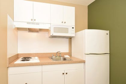 In-Room Kitchen | Extended Stay America Boca Raton - Commerce