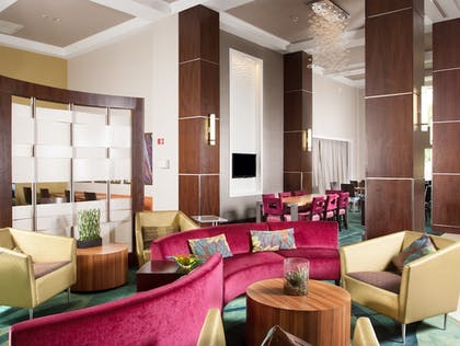 Lobby Sitting Area | SpringHill Suites Marriott Ft Lauderdale Airport/Cruise Port
