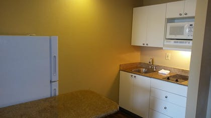 In-Room Kitchen | Extended Stay America - Albuquerque - Rio Rancho Blvd.