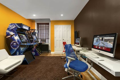 Game Room | Hotel Belleclaire