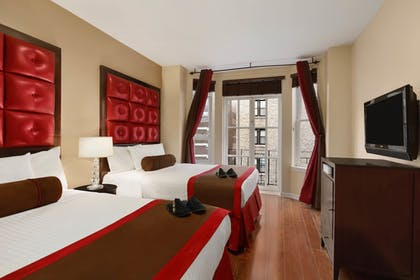 Guestroom | Hotel Belleclaire