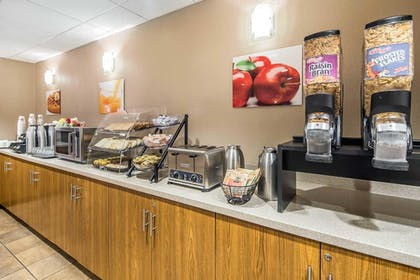 Buffet | Clarion Suites Downtown Anchorage