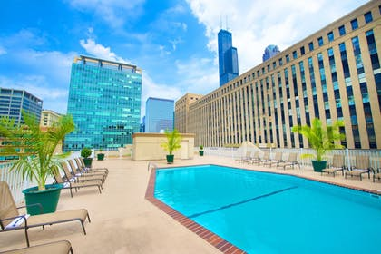 Pool | Holiday Inn & Suites Chicago - Downtown