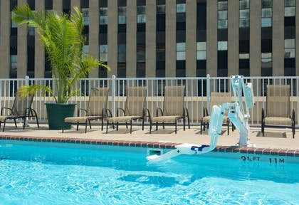 Rooftop Pool | Holiday Inn & Suites Chicago - Downtown