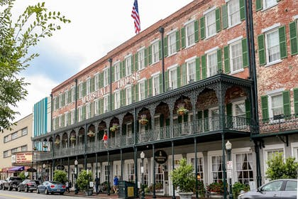 Exterior | The Marshall House,Historic Inns of Savannah Collection