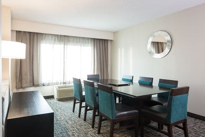 Room | Crowne Plaza Memphis Downtown Hotel
