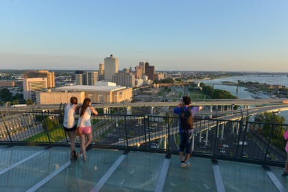 Point of Interest | Crowne Plaza Memphis Downtown Hotel