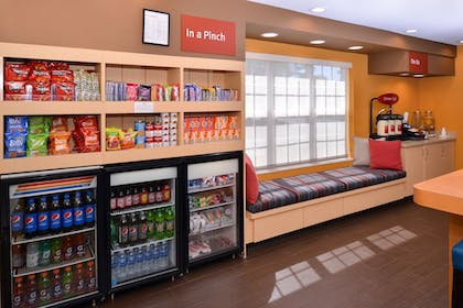Snack Bar | Towneplace Suites By Marriott St Charles