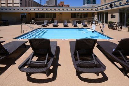 Rooftop Pool | Courtyard by Marriott Fort Worth Downtown/Blackstone