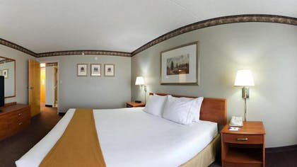 Guestroom | Holiday Inn Express Hotel & Suites Colby