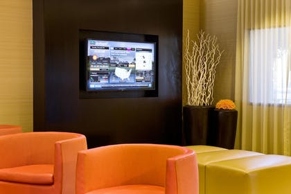Lobby Sitting Area | Courtyard by Marriott Scottsdale Old Town