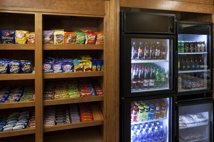 Snack Bar | Residence Inn by Marriott San Diego Downtown