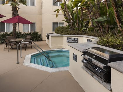 BBQ/Picnic Area | Residence Inn by Marriott San Diego Downtown