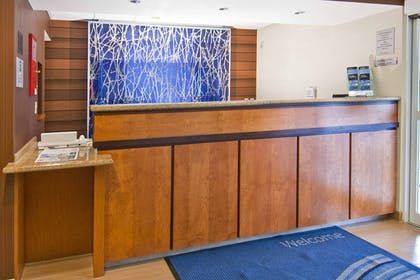 Lobby | Fairfield Inn by Marriott Jackson Airport-Pearl