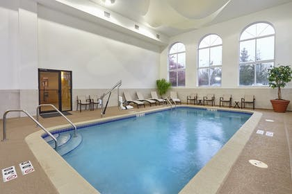 Pool | Holiday Inn Express Hotel & Suites Chicago - Libertyville