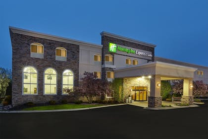 Exterior | Holiday Inn Express Hotel & Suites Chicago - Libertyville