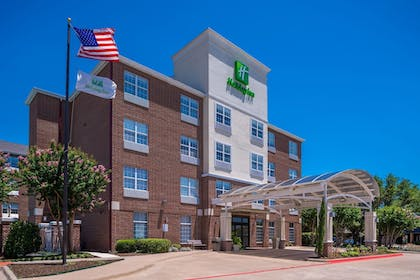 Featured Image | Holiday Inn & Suites Dallas-Addison