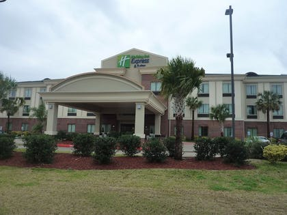 Featured Image | Holiday Inn Express Hotel & Suites Winnie
