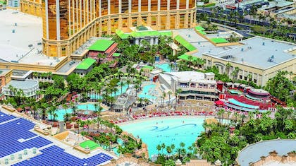 Pool | Mandalay Bay Resort and Casino