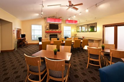 Breakfast Area | Towneplace Suites By Marriott Seattle Southcenter
