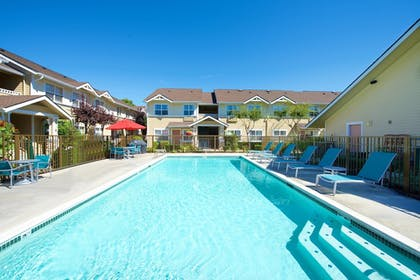 Outdoor Pool | Towneplace Suites By Marriott Seattle Southcenter