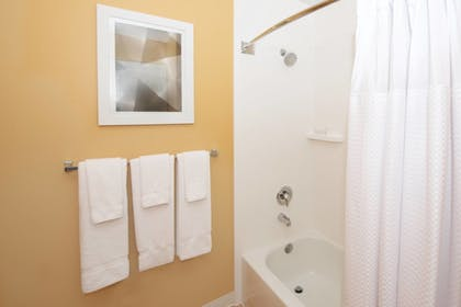 Bathroom | Towneplace Suites By Marriott Seattle Southcenter