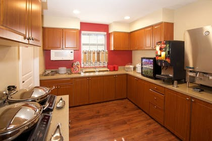 Breakfast buffet | Towneplace Suites By Marriott Seattle Southcenter