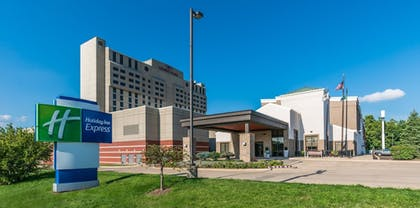 Hotel Front | Holiday Inn Express Springfield