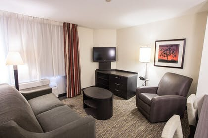 Living Area | Candlewood Suites Austin-South