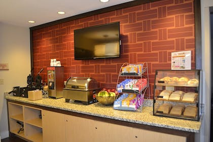 Breakfast Area | Hawthorn Suites by Wyndham Chicago Hoffman Estates