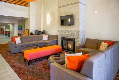 Lobby | Holiday Inn Express Hotel & Suites Indianapolis North Carmel