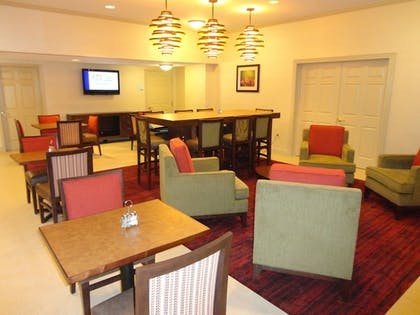Dining | Holiday Inn Express Hotel & Suites Indianapolis North Carmel