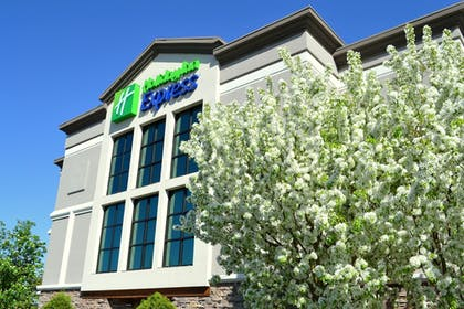 Exterior | Holiday Inn Express Hotel & Suites Bozeman West