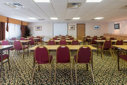 Meeting Facility | Holiday Inn Express Hotel & Suites Raton