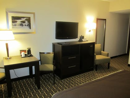 In-Room Amenity | Best Western Plus The Inn & Suites At The Falls