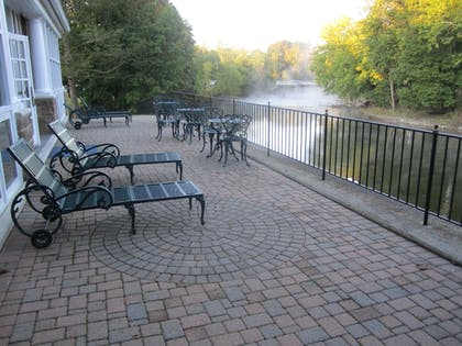 Terrace/Patio | Best Western Plus The Inn & Suites At The Falls