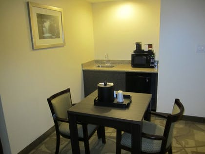 In-Room Dining | Best Western Plus The Inn & Suites At The Falls