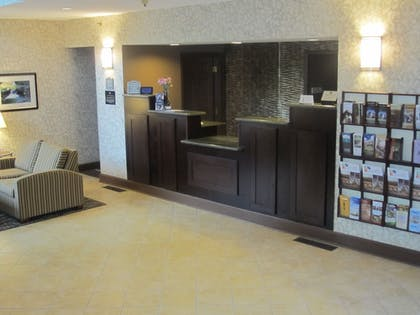 Reception | Best Western Plus The Inn & Suites At The Falls