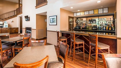 Restaurant | Best Western Plus The Inn & Suites At The Falls