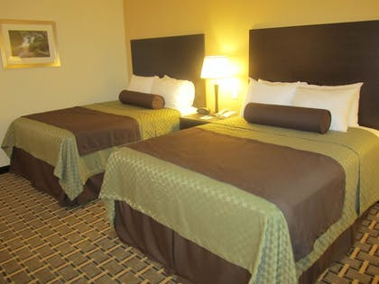 Guestroom | Best Western Plus The Inn & Suites At The Falls