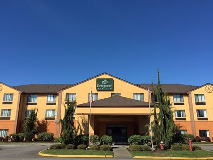 Hotel Front | Evergreen Inn and Suites