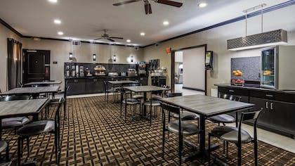 Breakfast Area | Best Western Huntsville Inn & Suites