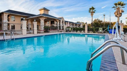 Outdoor Pool | Best Western Huntsville Inn & Suites