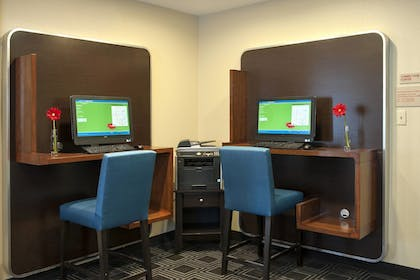 Business Center | TownePlace Suites by Marriott Indianapolis Park 100
