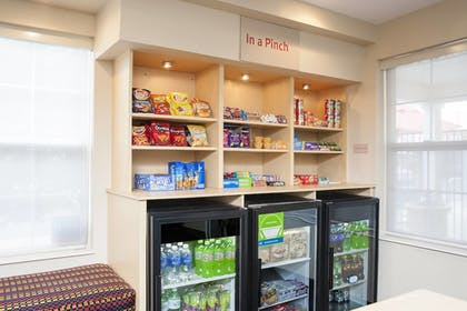 Snack Bar   TownePlace Suites by Marriott Indianapolis Park 100