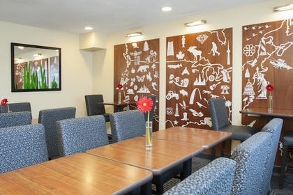 Restaurant   TownePlace Suites by Marriott Indianapolis Park 100